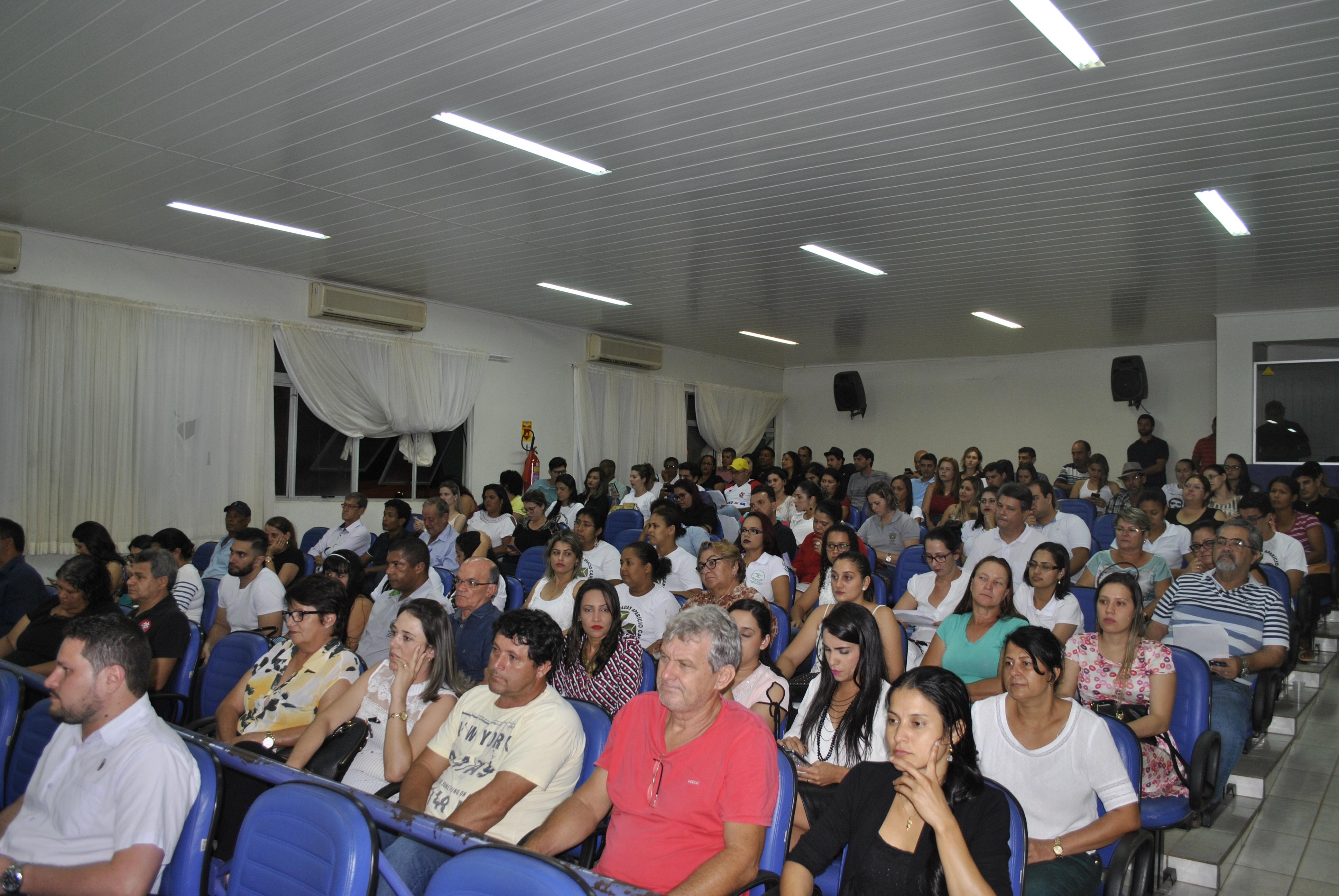 É HOJE: Reunião pública com a prefeita do município acontece nesta quinta na Câmara de Veredores; professores 30 horas estão convidados