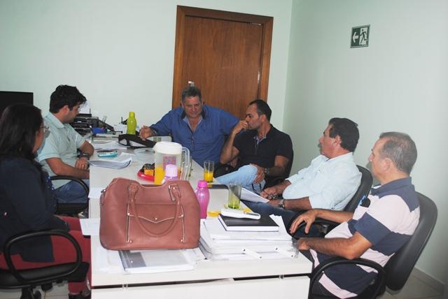 Sindsul recebe secretário de educação de Chupinguaia e Lei que altera Piso Salarial do Magistério Municipal deve ser aprovada após alterações