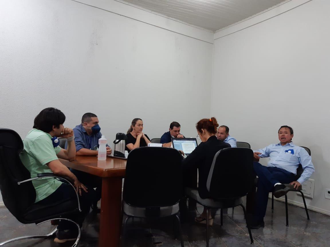 Prefeito manda retirar Projetos de implantação dos PCC´S dos servidores da pauta da Câmara em Vilhena